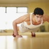 Як правильно віджиматися від підлоги: техніка, принципи, користь для організму