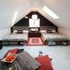 Оформлення дизайну мансардного спальні